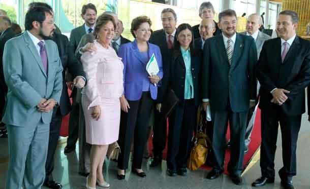 Dilma Rousseff apoia a mobilização dos governadores do Norte e Nordeste pela reforma tributária