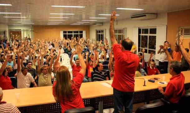 Bancários de Sergipe aprovam greve por tempo indeterminado a partir da zero hora