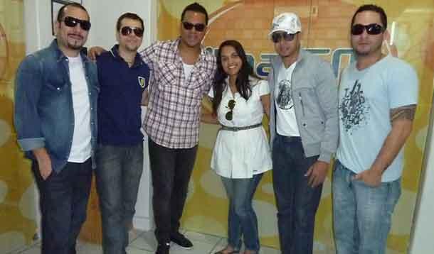 Banda Sorriso Maroto visita Ilha FM e bate papo com Xocolate