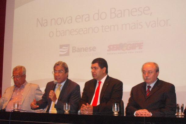 Governador concede gratificação de 2 mil reais aos banesianos