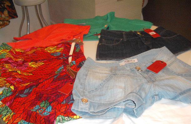 As tendências do verão no pré-caju requer roupas leves