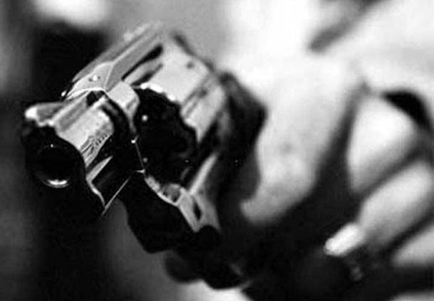 Taxista mata mulher e dá tiro na própria cabeça dentro de casa