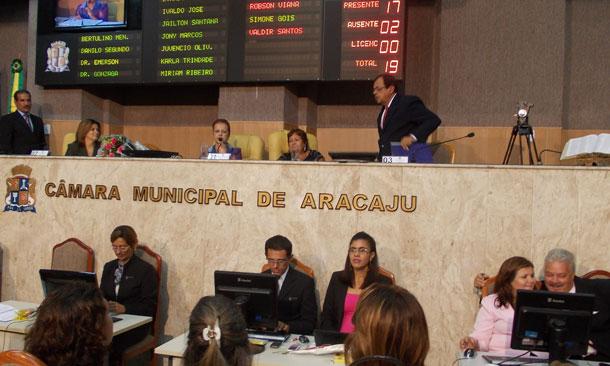 """""""O trânsito é uma questão de saúde pública, não de política"""", disse Samarone."""