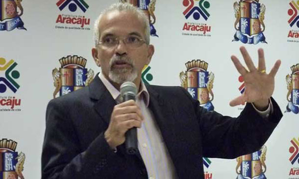 Ex-prefeito de Aracaju desiste de ser candidato ao senado
