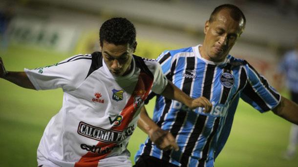 Grêmio ganha de virada o River Plate