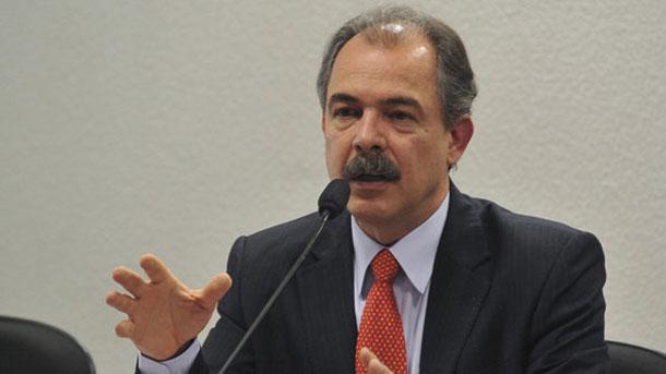 Ministro quer Olimpíada Internacional do Conhecimento no Brasil