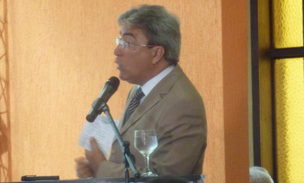 Marcelo Déda dá início à reforma do secretariado