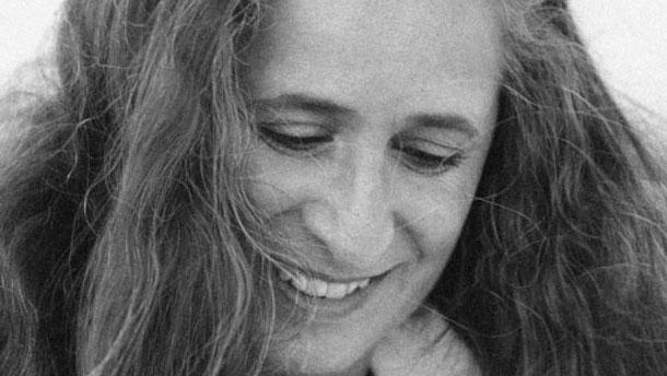 Cantora fala sobre polêmico blog e revela intimidades da vida pessoal