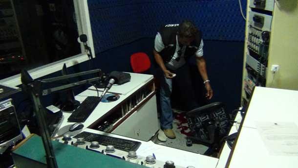 Radialista é assassinado dentro da emissora quando trabalhava (VEJA VIDEOS)