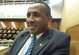 Adelson Barreto fica livre do PSB de Sergipe