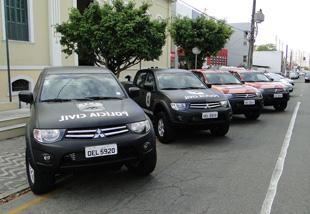 armas-joao-heloy-e-Iuns-carros