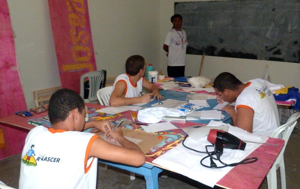 Socioeducandos da Usip concluem curso profissionalizante