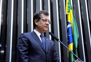 Deputado Laércio Oliveira discute a transição da economia informal para a formalidade