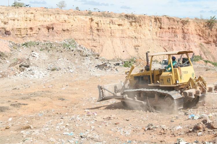 Estudos serão feitos para despoluição do lixão do Santa Maria
