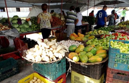 Mercados e Feiras Livres funcionam no dia do Servidor, mas fecham no dia Finados