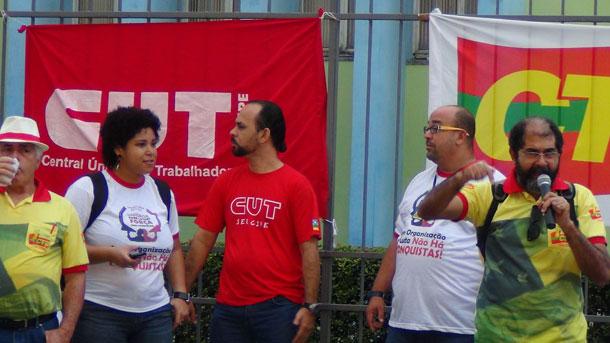 Comunicadores de Sergipe mostram a sua força ao fechar jornal (VEJA OS VIDEOS)