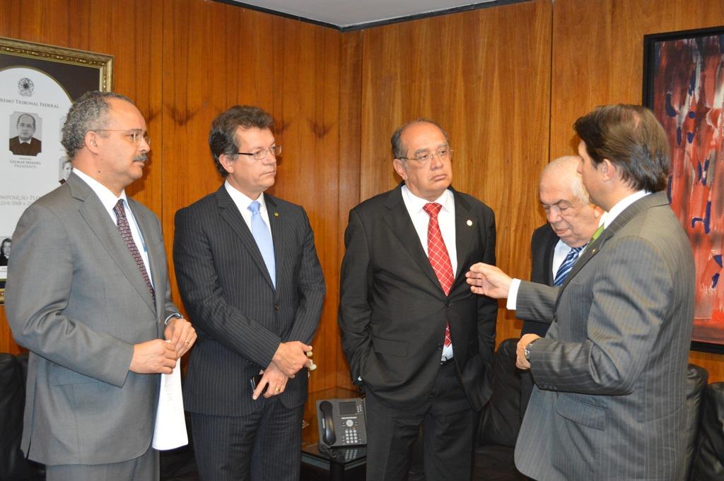 Deputado Laércio Oliveira discute o novo Código Comercial com Gilmar Mendes