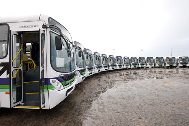 Prefeitura de Aracaju entrega novos ônibus à população  no Plano de Mobilidade Urbana