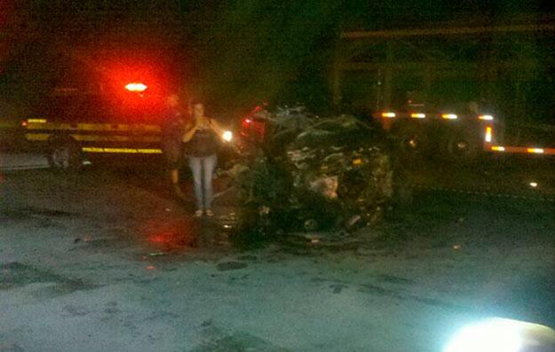 Homem morre preso as ferragens em acidente grave na BR 101
