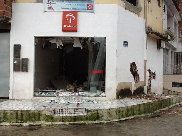 Bandidos explodem Bradesco no interior de Sergipe