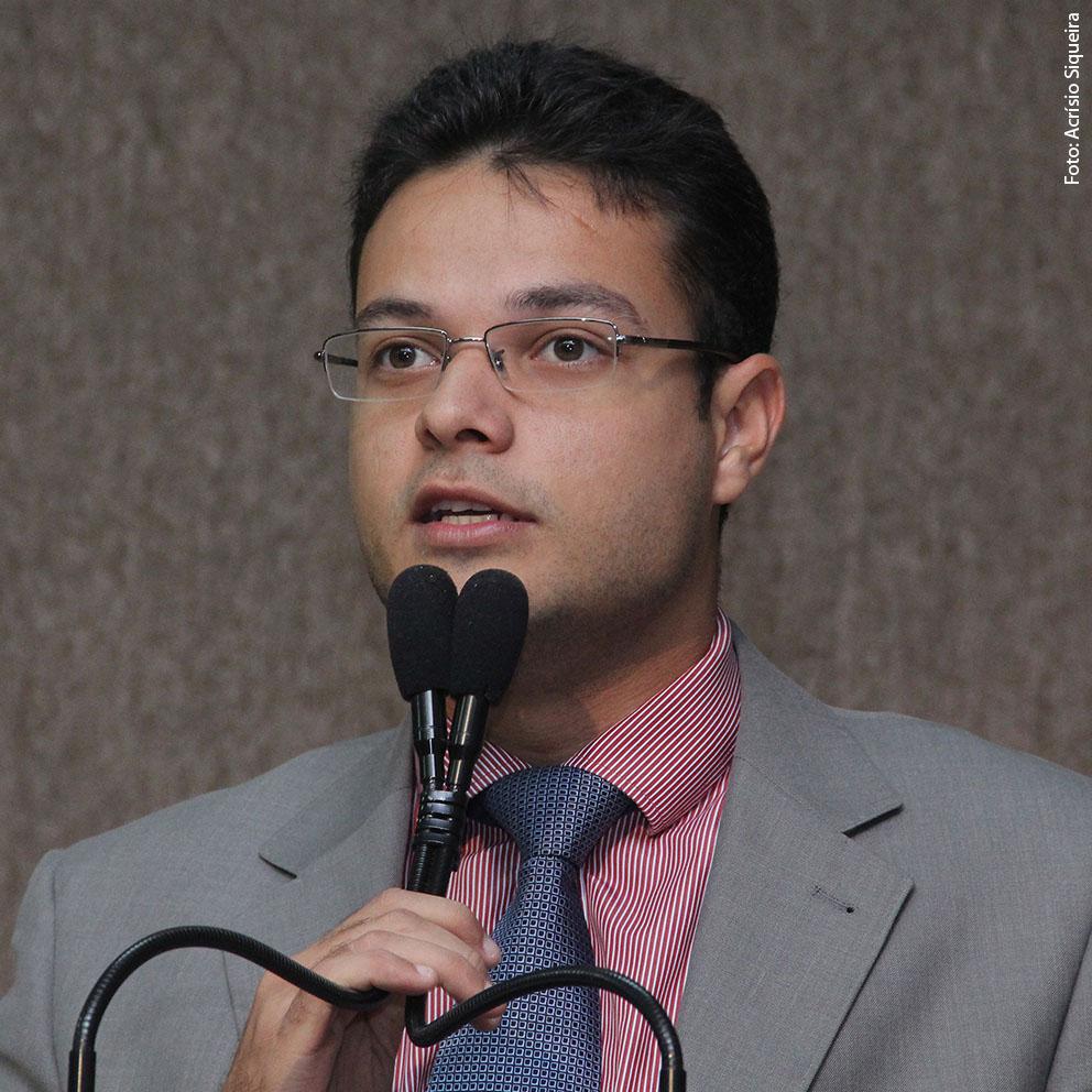 Anderson cobra mais segurança para o Siqueira Campos