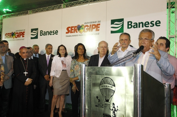 Jackson inaugura agência do Banese que homenageia Marcelo Déda, no Santa Maria