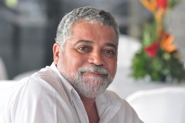 "Coluna do Adiberto de Souza ""Trator chamado JB"""