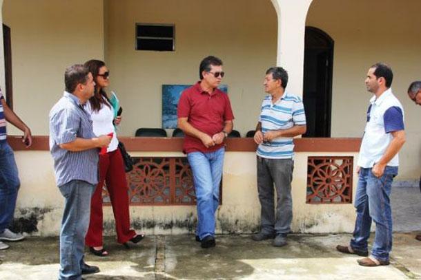 Deputado Laércio Oliveira busca recursos para recuperar dependentes químicos de Sergipe