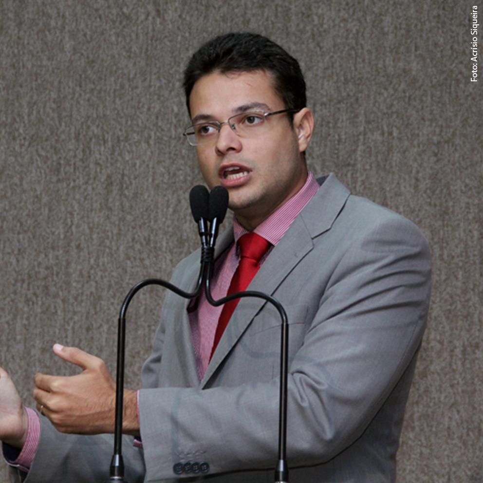Anderson comemora Projeto de reforma da Praça Dom José Thomaz
