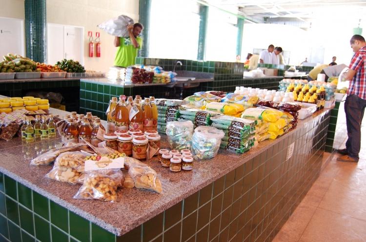 Mercado Milton Santos entra em funcionamento no Augusto Franco