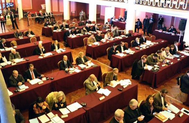 Senador Valadares participa de reunião do Parlasul