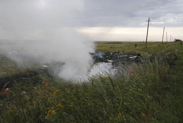 Mais de 290 pessoas morrem em queda de avião