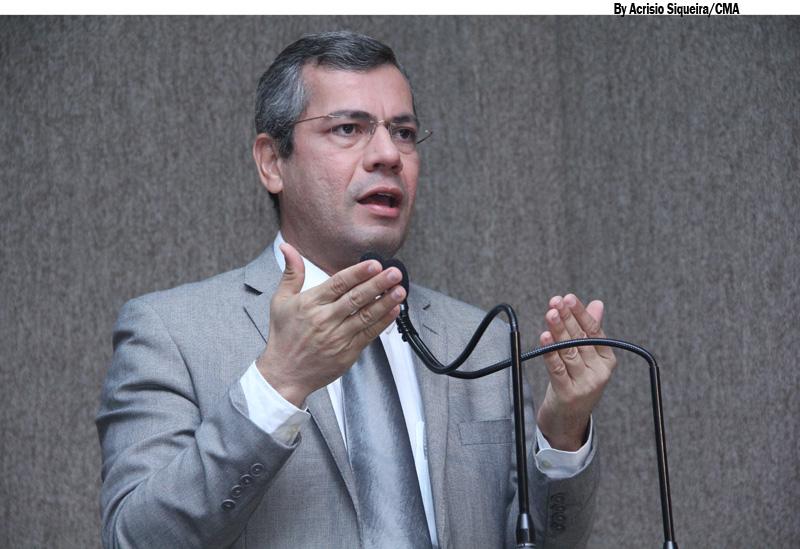 Iran cobra projeto de iluminação pública para a cidade de Aracaju
