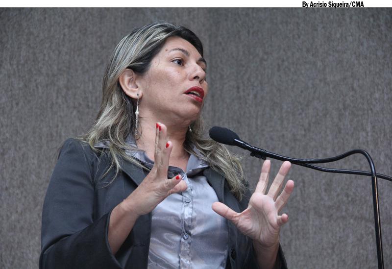 Vereadora afirma que prefeito distorce a verdade sobre obras deixadas pela administração passada