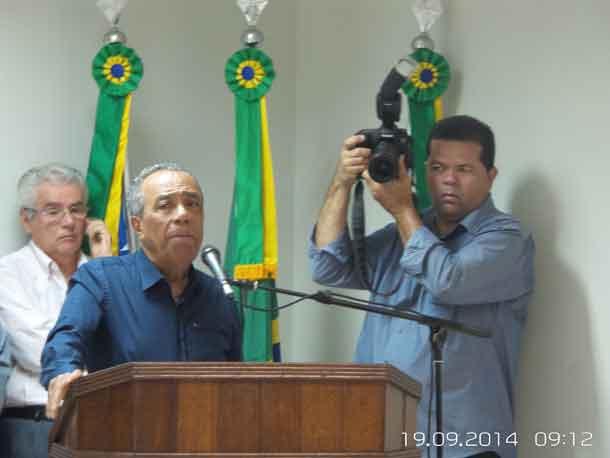 João nega crise com bancada governista na Câmara