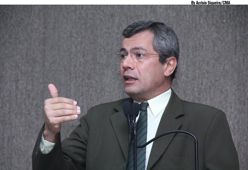 Iran Barbosa defende a política como instrumento de transformação social