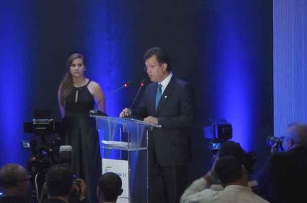Deputado Laércio Oliveira comemora a aprovação da PEC do comércio eletrônico
