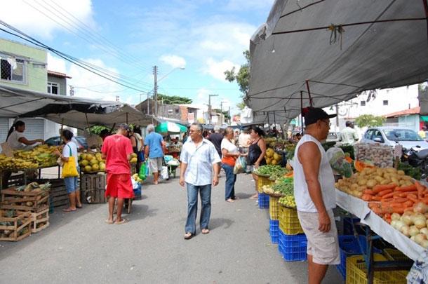 Prefeitura de Aracaju transfere local de feira livre do Bairro Suissa