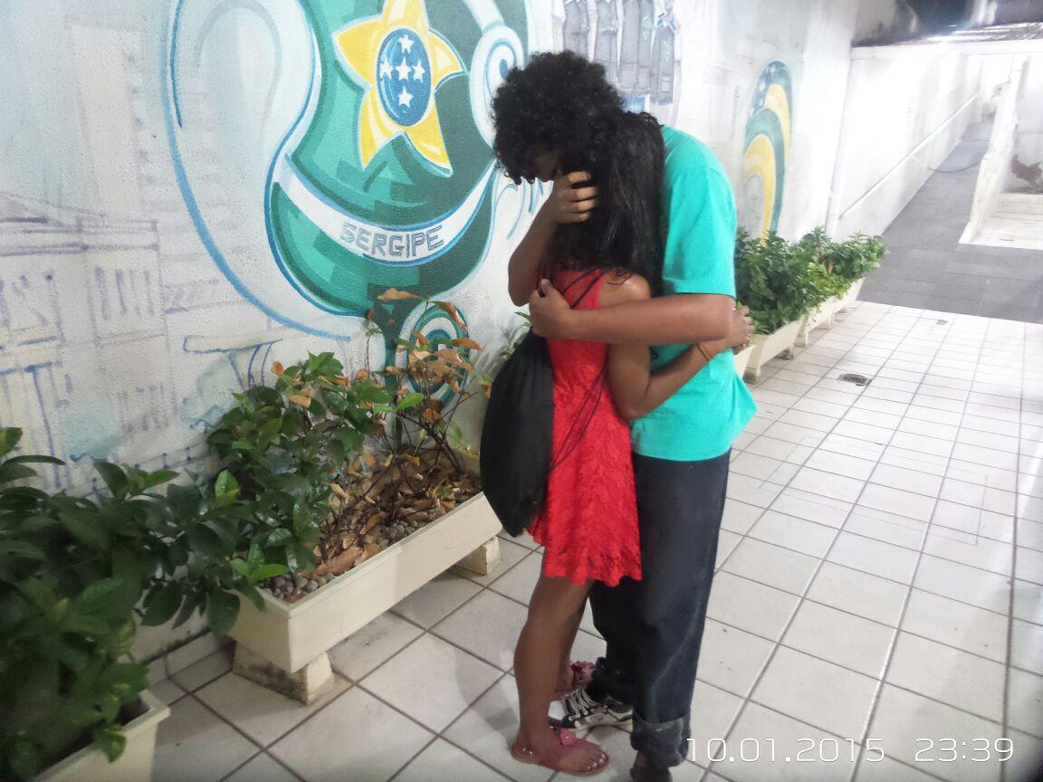 Casal é vitima de assalto na orla de Atalaia e jovem foi estuprada