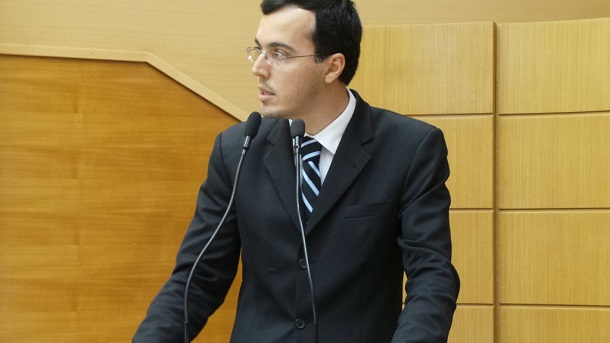 Deputado Georgeo Passos alerta servidores do MPE sobre PL que altera carreira