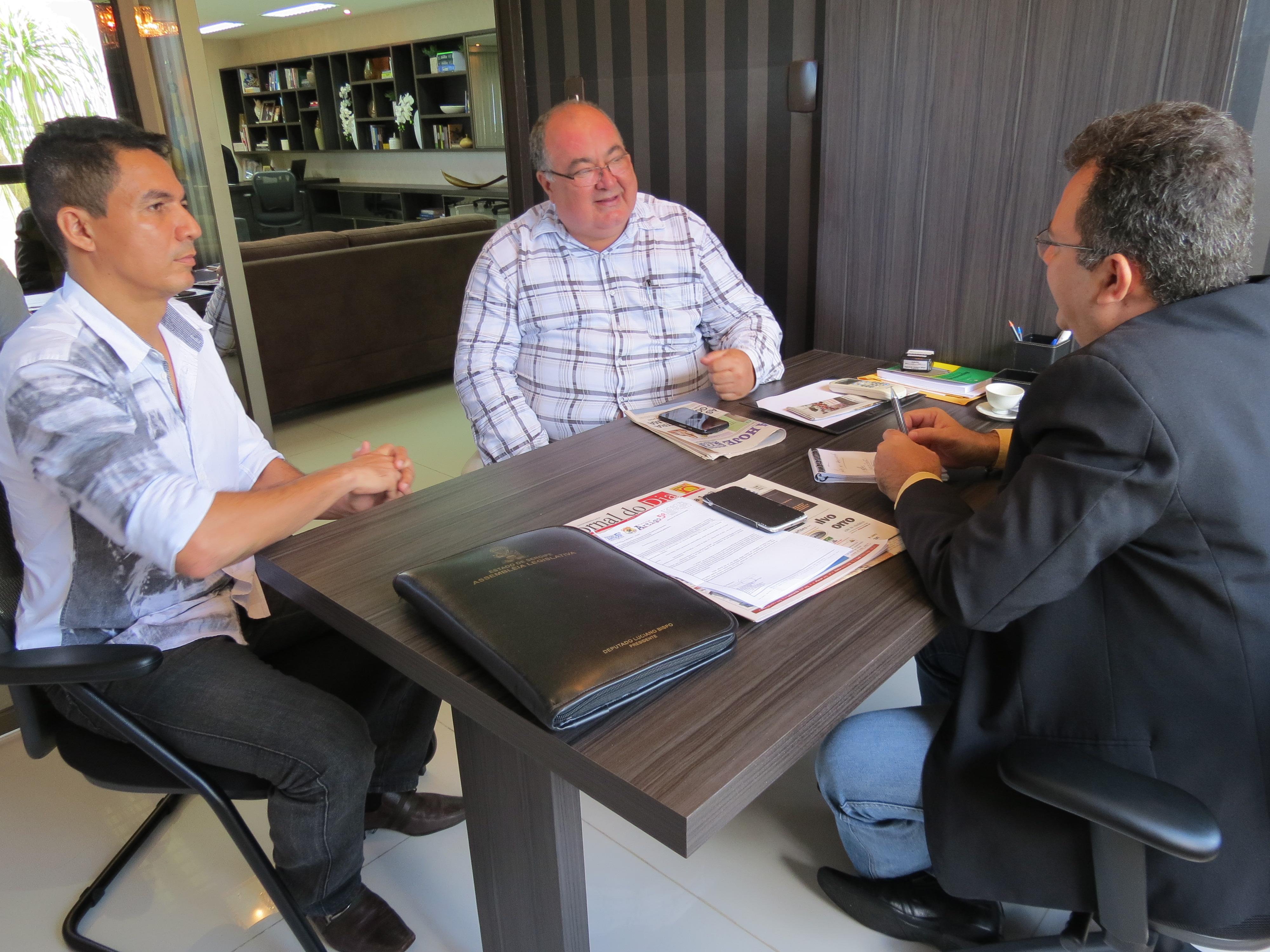 Sindicato dos Radialistas de Sergipe faz visita de cortesia ao diretor de comunicação da Alese