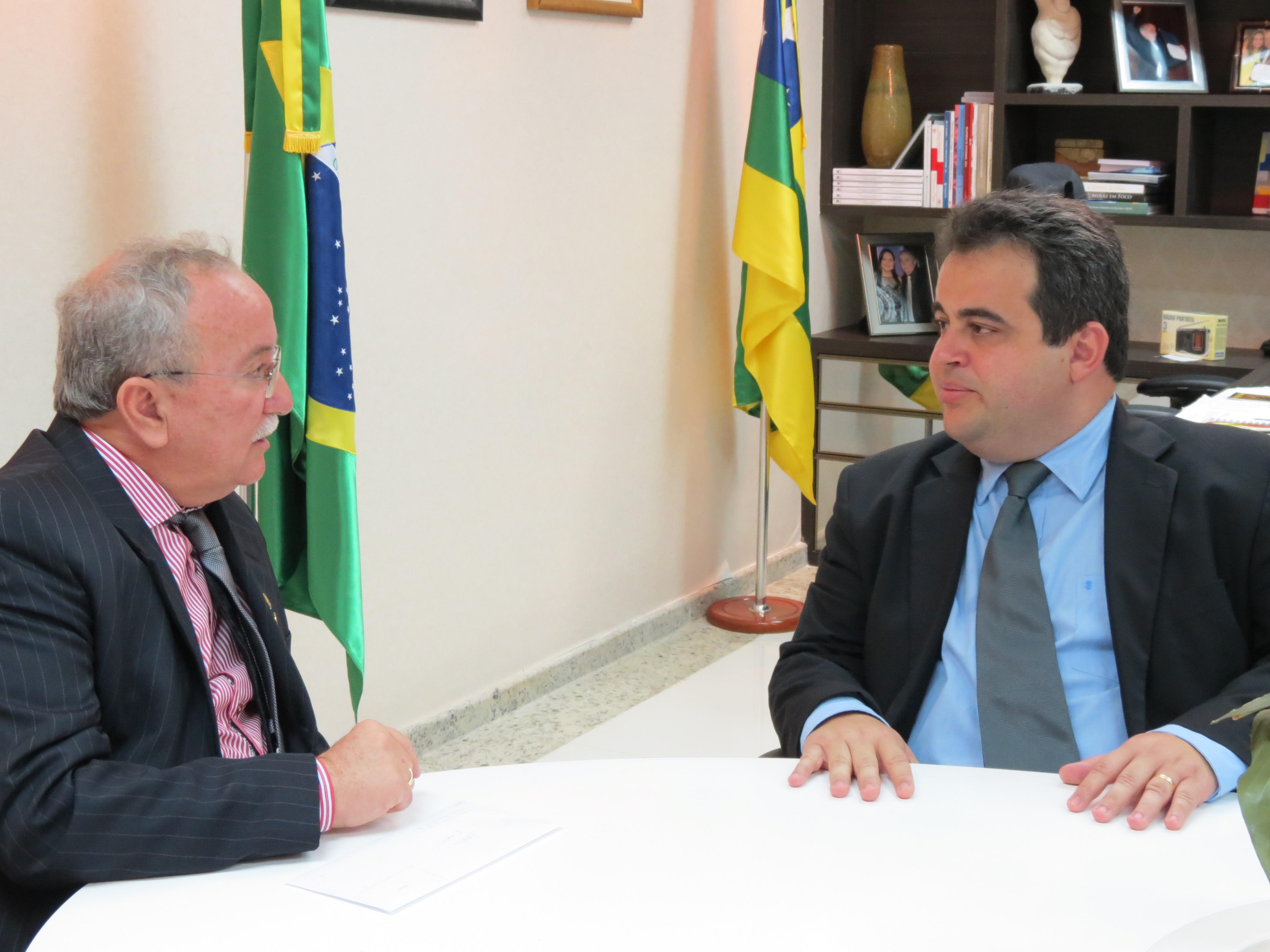 Assembleia Legislativa  e Câmara de Vereadores de Aracaju se reúnem para tratar do sinal aberto da TV Alese