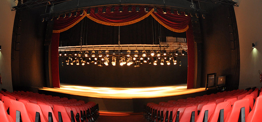 Teatro Atheneu completa 61 anos regados a shows musicais