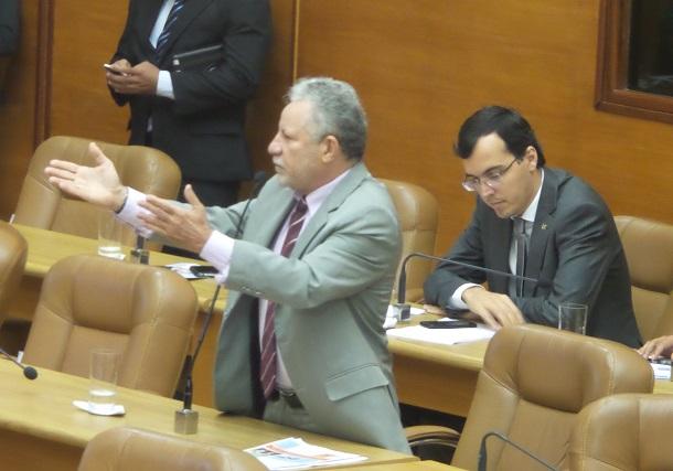 Deputado Gualberto defende manutenção dos programas sociais do governo