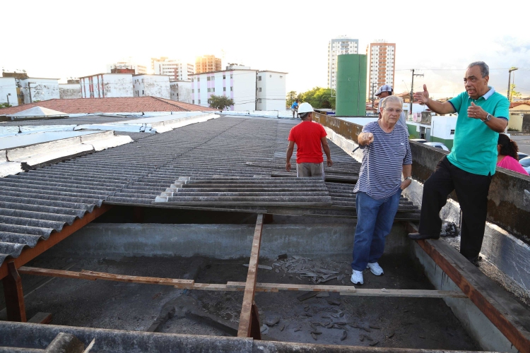 Prefeito de Aracaju visita áreas afetadas pelas chuvas