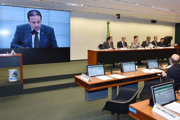 Ex-presidentes da empresa e do conselho da Setebrasil serão ouvidos na CPI da Petrobras