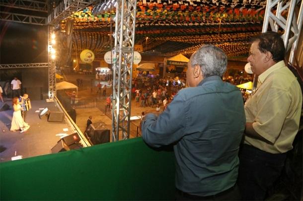 Prefeito prestigia a quarta noite de Forró Caju 2015