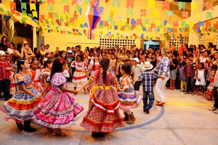 Festejos juninos encerram as aulas do primeiro semestre letivo em mais três escolas