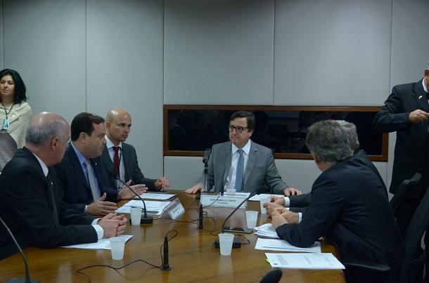 Comissão Especial do Pacto Federativo aprova mais dois intens do parecer de André Moura