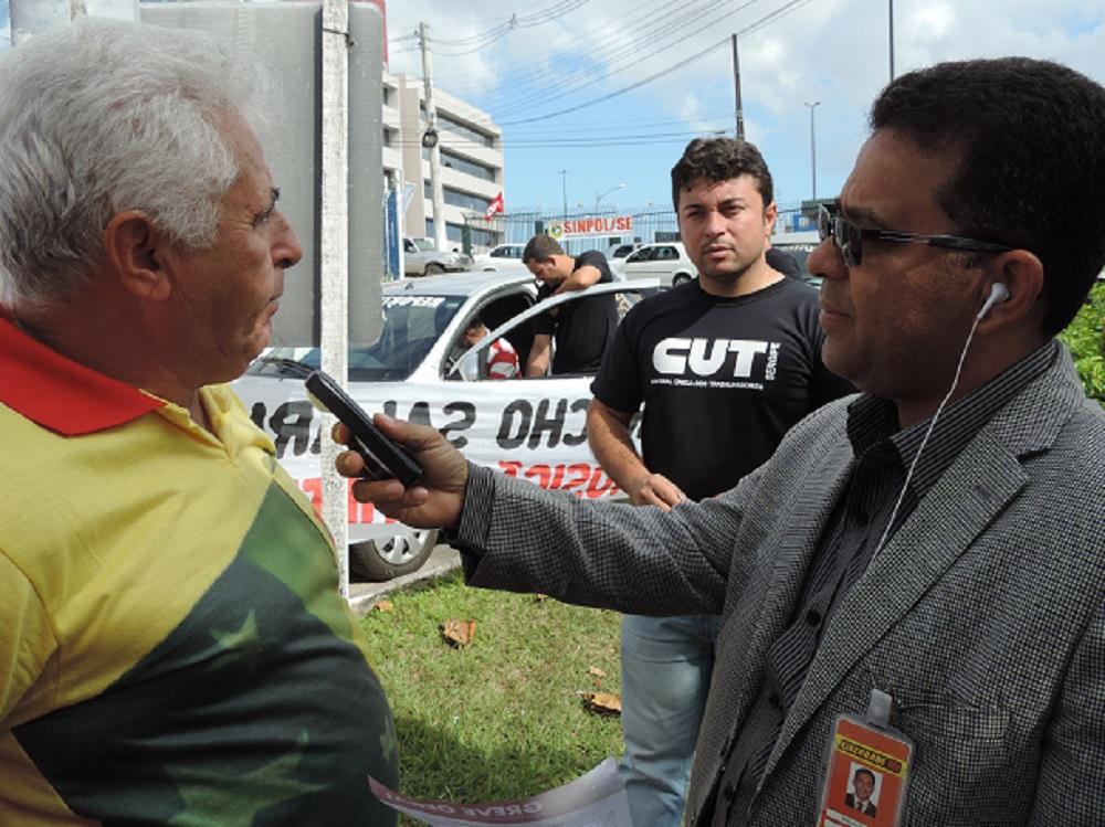 Greve dos servidores atrai a imprensa à Sefaz